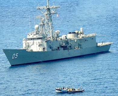 Australian navy ship captures Somali pirates