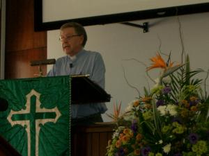 CIMG2326 David preaching
